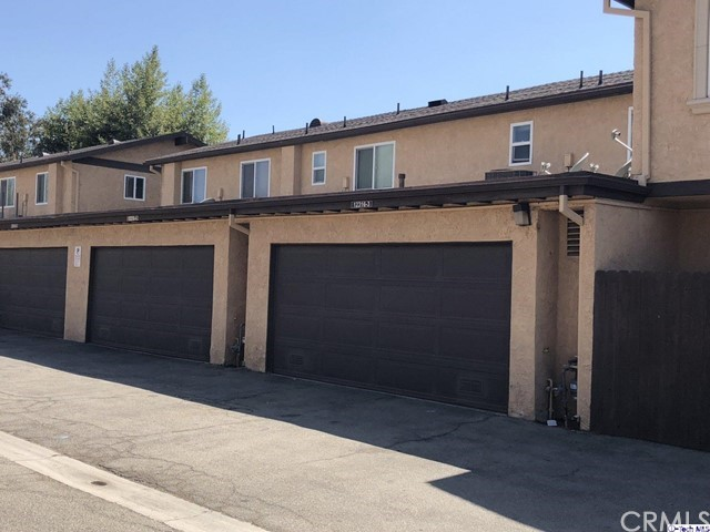12316 Runnymede Street, North Hollywood CA: http://media.crmls.org/medias/15221bb8-6ab1-4ebf-9ccf-c2caea233eab.jpg