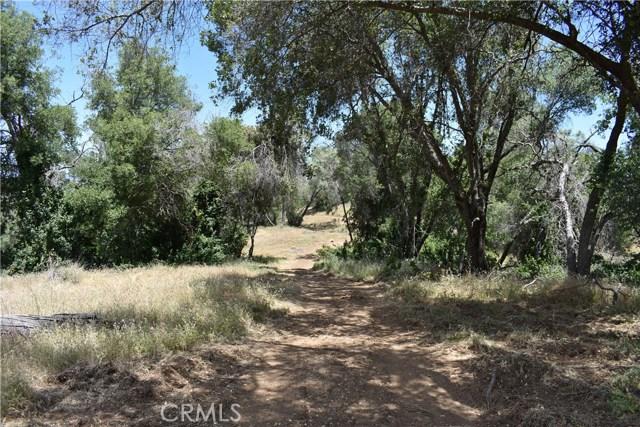 80 Lookout Mountain Road, Mariposa CA: http://media.crmls.org/medias/152b3e91-16d9-48b0-a6b4-f4adf685aa11.jpg