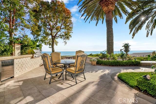 9 Greens Bluff, Newport Coast CA: http://media.crmls.org/medias/152c8c57-d085-4f66-ab46-65107080dbf7.jpg