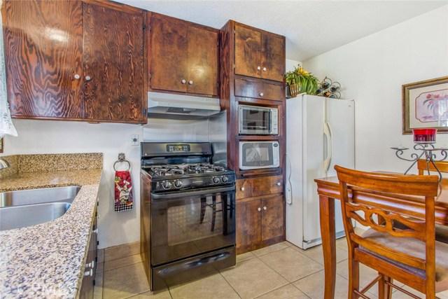 178 W 1st Street, Rialto CA: http://media.crmls.org/medias/152e42a2-d107-4dc3-8e76-27f1dfcc889e.jpg