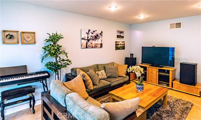 13 Winterbranch, Irvine CA: http://media.crmls.org/medias/152fa6ca-71d7-44fd-99b8-669649a81bed.jpg