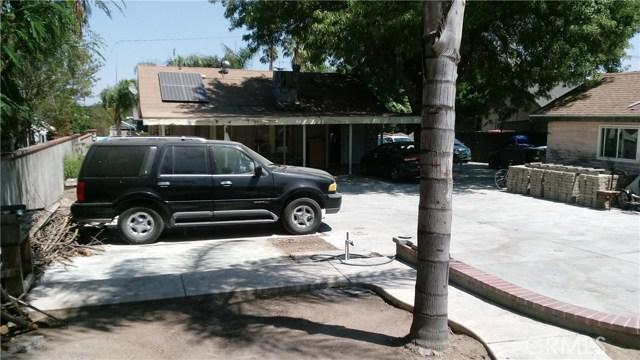 3988 Mckenzie Street, Riverside CA: http://media.crmls.org/medias/1534b3e8-c3c5-47d4-946a-c9bd7b43cd09.jpg
