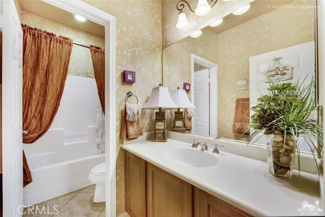 43715 Riunione Place, Indio CA: http://media.crmls.org/medias/153baa6e-532e-4a9b-8ad4-6ca490916c9f.jpg