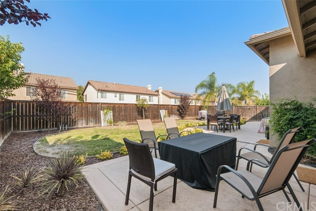 31590 Waterfall Way, Murrieta CA: http://media.crmls.org/medias/153cde48-1ccb-401e-bba4-cc3a2cf646ba.jpg