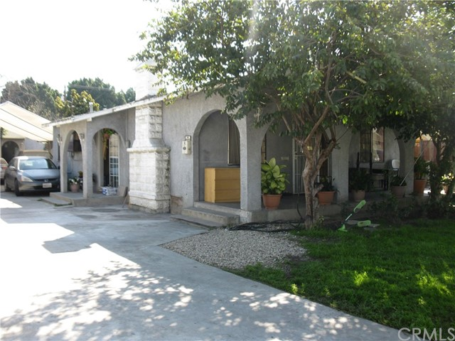 Single Family for Sale at 6522 Pine Avenue Bell, California 90201 United States