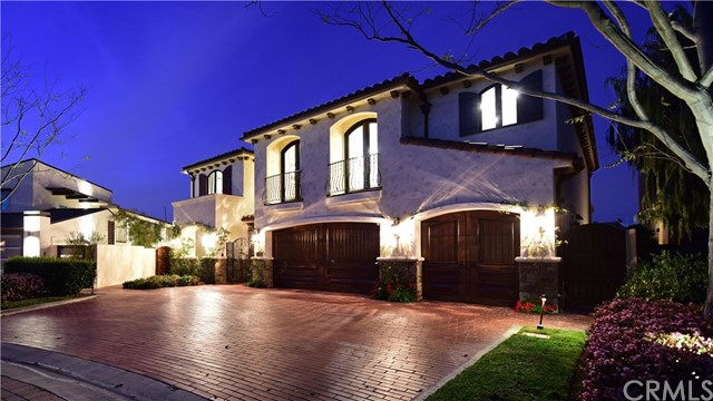 Single Family Home for Sale at 104 Linda Isle Newport Beach, California 92660 United States
