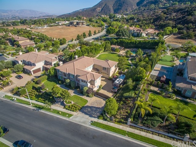 1078  Young Circle, Corona, California