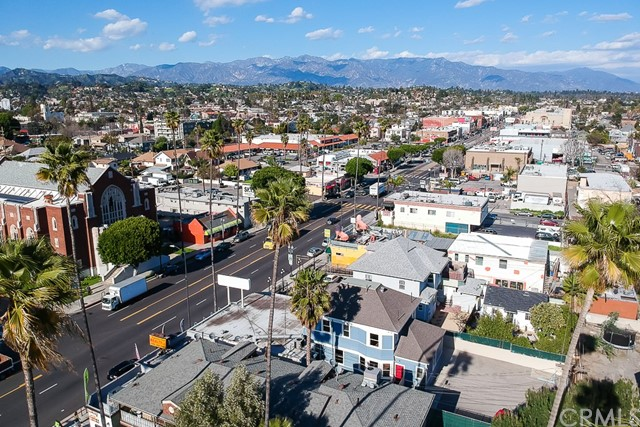 5308 5306 N Figueroa Street, Highland Park CA: http://media.crmls.org/medias/155434f8-9db9-4f4c-8124-f1df8a39b873.jpg