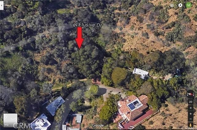 8464 W Elusive Dr, Los Angeles CA: http://media.crmls.org/medias/156471eb-be37-4770-8751-c09048de6924.jpg