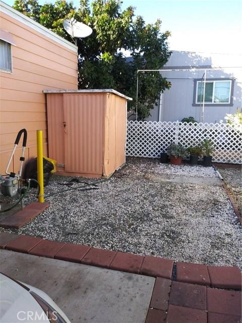 323 N Euclid Street, Santa Ana CA: http://media.crmls.org/medias/15655aed-083b-4c3b-87f1-47518dcbabf0.jpg
