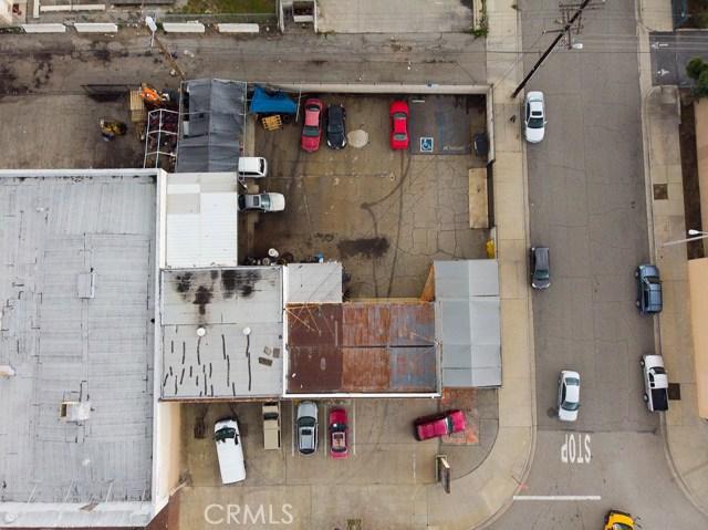 290 W Holt Avenue, Pomona CA: http://media.crmls.org/medias/15672403-7f31-4261-b775-7bf7772f6d53.jpg