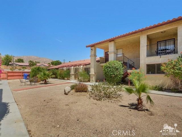 68075 Calle Bolso, Desert Hot Springs CA: http://media.crmls.org/medias/1567f272-d73e-4740-87cb-f404512c54db.jpg