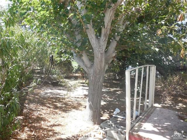 73241 Pine Valley Drive, Thousand Palms CA: http://media.crmls.org/medias/157123f3-4f3e-425d-921c-4f408687ca67.jpg
