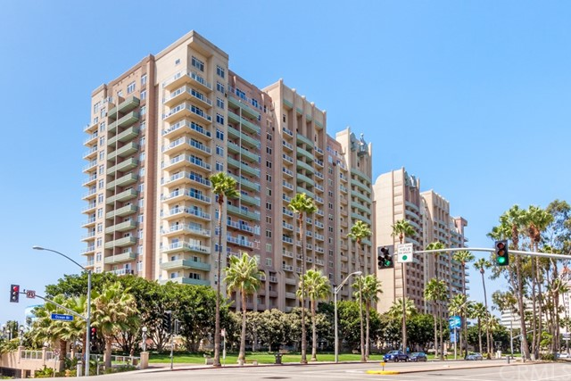 388 E Ocean Boulevard, Long Beach CA: http://media.crmls.org/medias/1579fbbd-bb31-4af8-af24-4c65a87fc1af.jpg