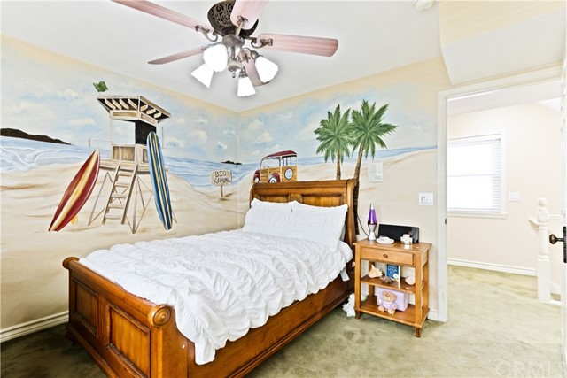 315 21st Street, Huntington Beach CA: http://media.crmls.org/medias/158c6c72-2c6d-45e7-8bb9-95771d7ad317.jpg