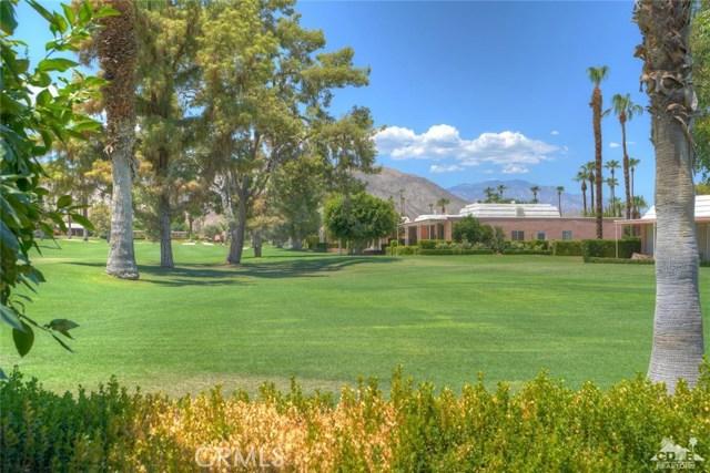 47043 Arcadia Lane, Palm Desert CA: http://media.crmls.org/medias/15b79bc9-7cde-4df4-979b-4f84c25f820d.jpg