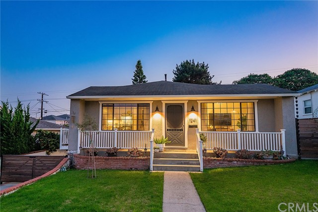 1241 26th Street, San Pedro, California 90731, 3 Bedrooms Bedrooms, ,1 BathroomBathrooms,Single family residence,For Sale,26th,PW19279310