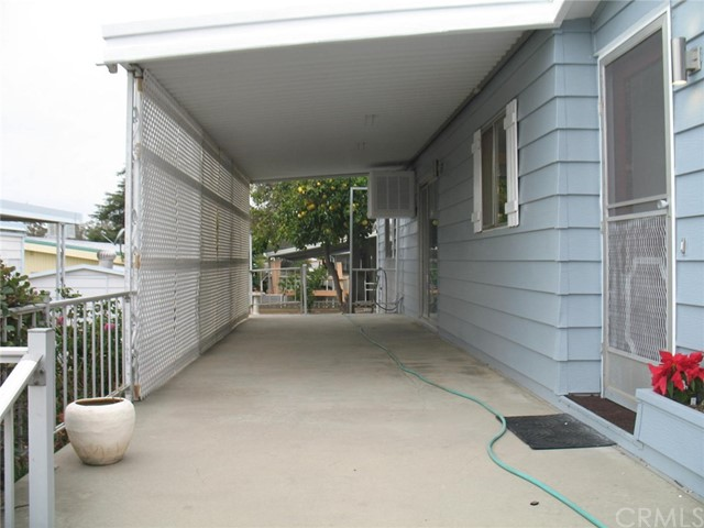 2200 W WILSON Street, Banning CA: http://media.crmls.org/medias/15c2b5fa-88fc-476d-9b7e-1e0856a04ed5.jpg