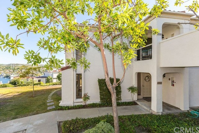 22522 Campos 34 Mission Viejo, CA 92692 is listed for sale as MLS Listing OC16758535