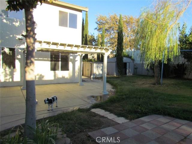 42205 57th W Street, Quartz Hill CA: http://media.crmls.org/medias/15ca47ce-afa8-44e3-95a9-38a2ee16c5c3.jpg