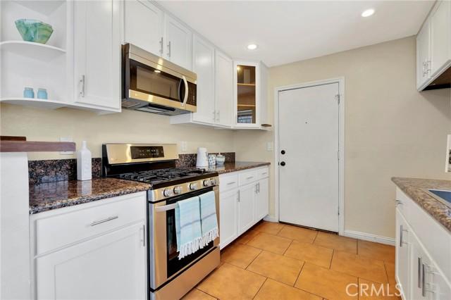 850 E 116th Place, Los Angeles CA: http://media.crmls.org/medias/15d14035-8831-44d2-9849-e35b29e7cbbb.jpg