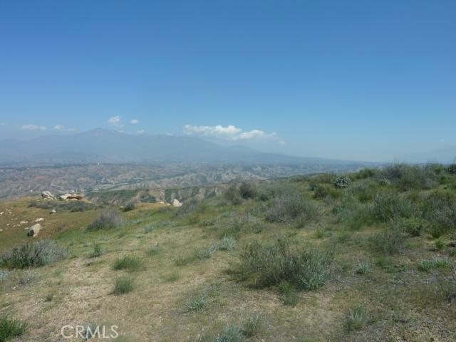 0 Jeffery, Redlands CA: http://media.crmls.org/medias/15d4658e-a29e-4da9-975c-d0f4c8a7f59e.jpg