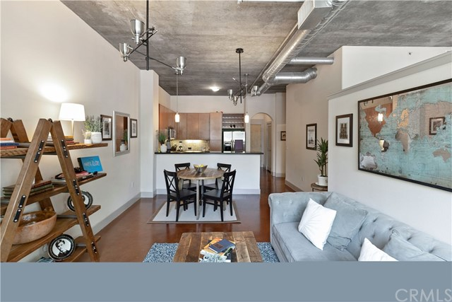 840 E Green Street, Pasadena CA: http://media.crmls.org/medias/15d6e23b-97e3-411e-87cb-27f7a237de8e.jpg