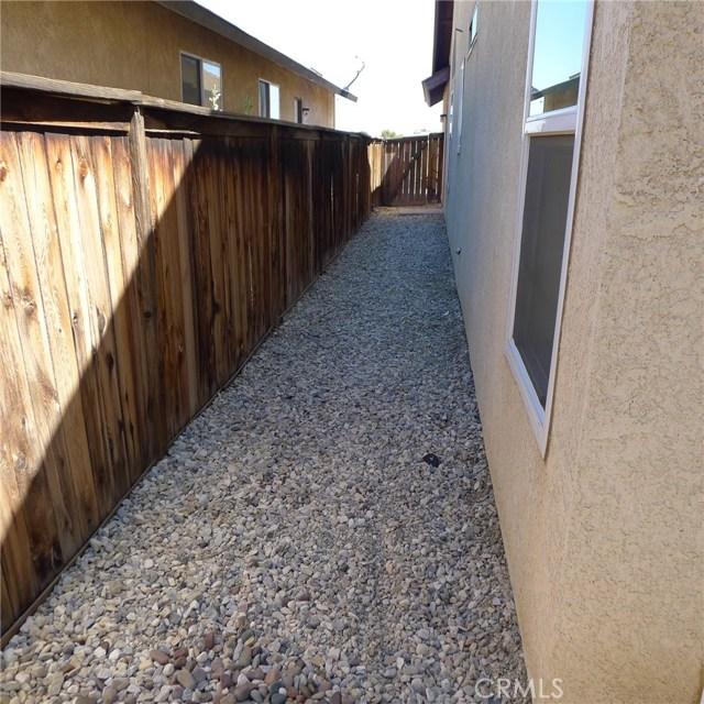 16825 Silica Drive Victorville, CA 92395 - MLS #: PW17134270