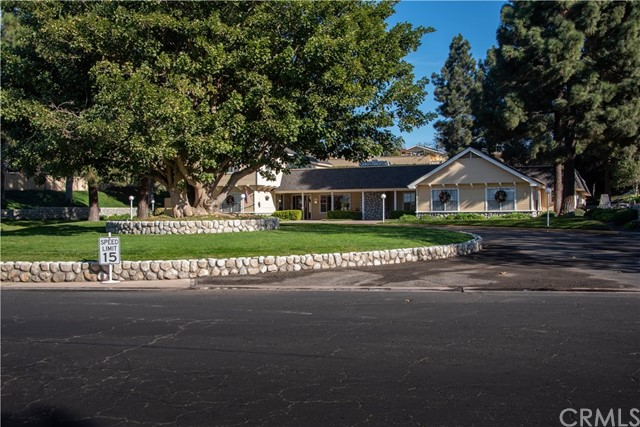 946 N White Dove Drive, Santa Maria CA: http://media.crmls.org/medias/15ec7599-6116-48f2-bfb1-c37d3b8a5769.jpg