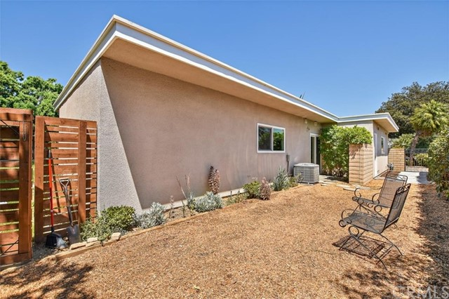 265 W Sonora Place, Claremont CA: http://media.crmls.org/medias/15f0d779-7bf9-4ce6-8bb6-f2b2e37bbcd0.jpg