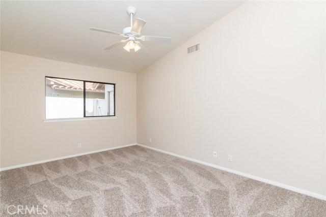 1061 Ridge Heights Drive, Fallbrook CA: http://media.crmls.org/medias/1614cb54-65af-424b-9c92-85173e6da902.jpg