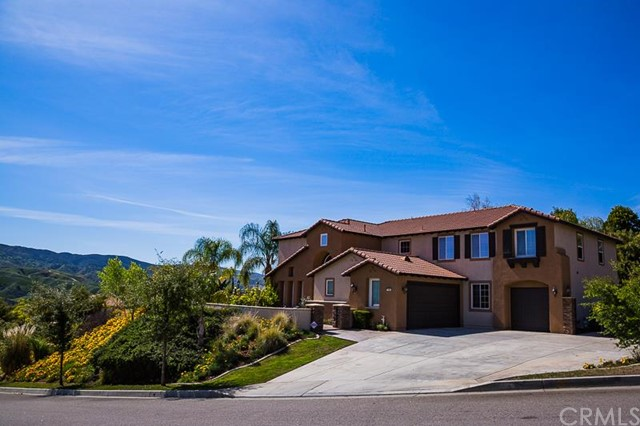 2000 Mesa View Lane Redlands, CA 92373 is listed for sale as MLS Listing CV16054611