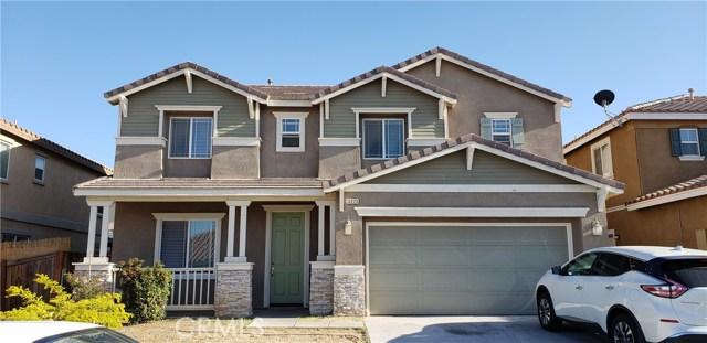 13223 La Crescenta Avenue, Oak Hills CA: http://media.crmls.org/medias/161a21ed-9269-43f2-81c5-3dcaa29b9be3.jpg
