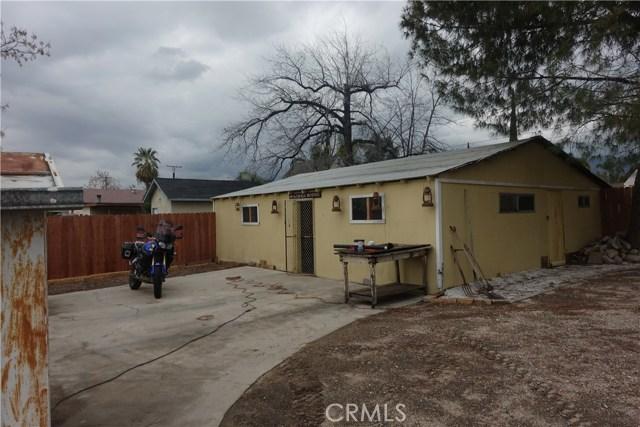 6856 Victoria Avenue, Highland CA: http://media.crmls.org/medias/161da25c-d05c-471a-ae28-a4a3ae5a444e.jpg