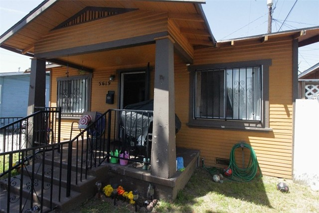 Single Family Home for Sale at 5619 Everett Avenue Maywood, California 90270 United States