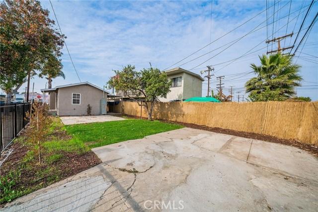 8230 Compton Avenue, Los Angeles CA: http://media.crmls.org/medias/16358fdf-e31d-4f37-91c4-16f90388cade.jpg