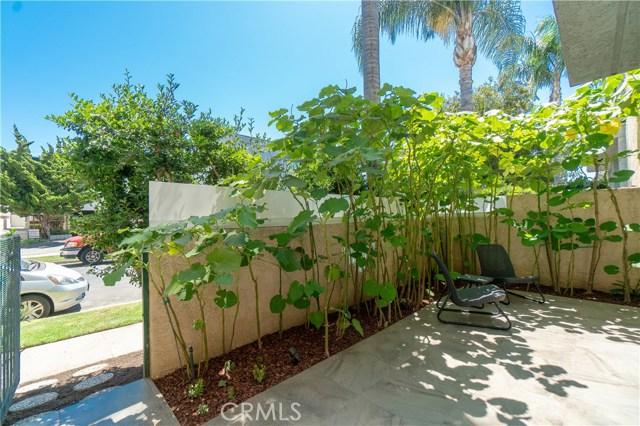 2491 Purdue Avenue, West Los Angeles CA: http://media.crmls.org/medias/16361f69-469e-445a-88c7-5f096fb8c657.jpg