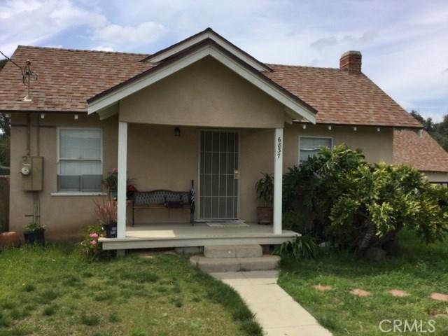 6837 Lomita Street, Riverside CA: http://media.crmls.org/medias/1641f6fd-6500-4d62-8615-5ddad7d4a99f.jpg