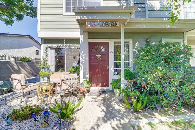 22031 Main Street, Carson, California 90745, 3 Bedrooms Bedrooms, ,3 BathroomsBathrooms,Townhouse,For Sale,Main,SB19194939