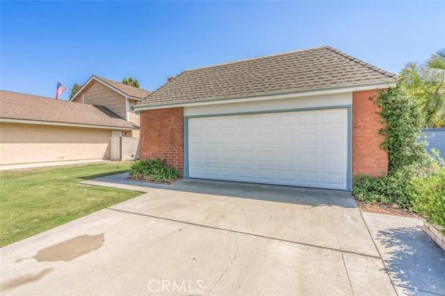 10756 La Batista Avenue, Fountain Valley CA: http://media.crmls.org/medias/16481cdd-1130-4403-8295-f1488c7c355c.jpg