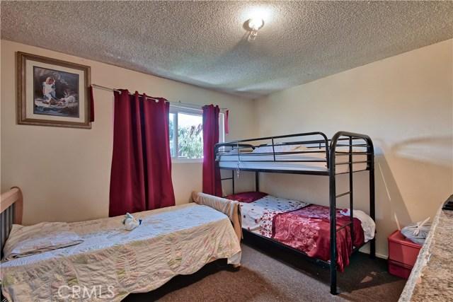 2077 Wallace Avenue, Costa Mesa CA: http://media.crmls.org/medias/16558b37-4863-477d-8886-75876e61c216.jpg