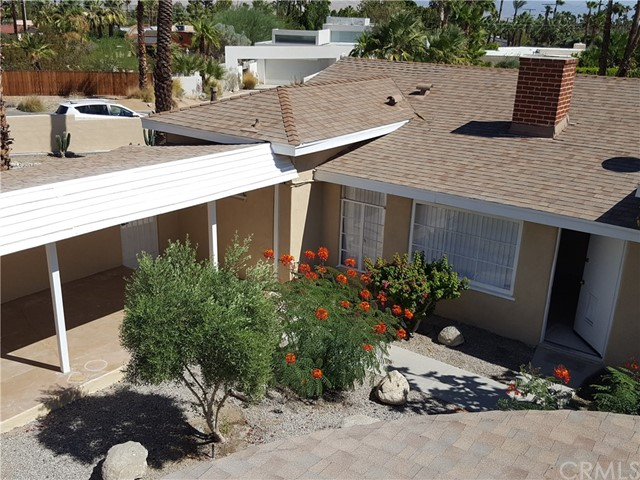 2107 N Vista Grande Avenue, Palm Springs CA: http://media.crmls.org/medias/166dda74-17c2-4917-9048-e353f8702ac8.jpg