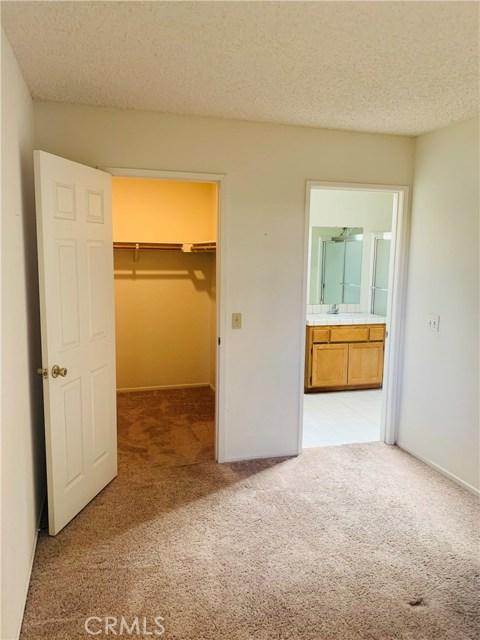 11591 Ash Street, Apple Valley CA: http://media.crmls.org/medias/16755c8f-821c-4b99-b860-c559d3dd8305.jpg