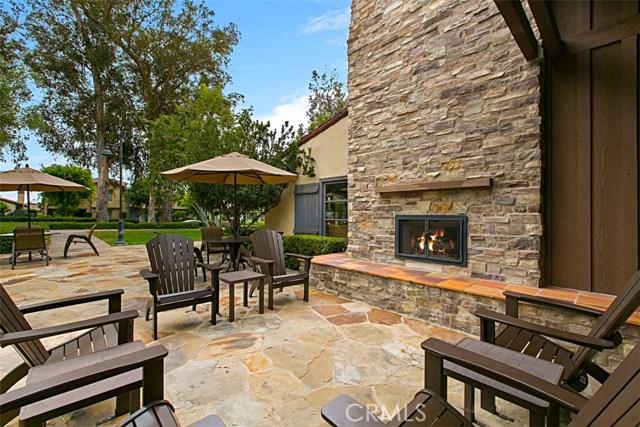 62 Crabapple, Irvine CA: http://media.crmls.org/medias/1678d277-3dc8-4919-aaa1-7c3bf77aa6a0.jpg