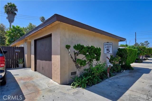 2077 Wallace Avenue, Costa Mesa CA: http://media.crmls.org/medias/1684dfd4-a2c7-476f-bd0a-a583ecf29afa.jpg