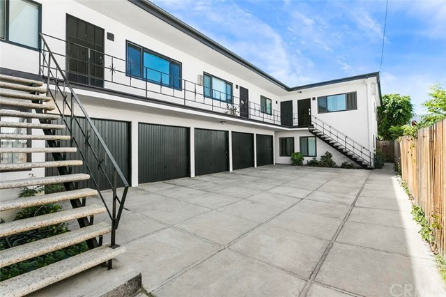 2828 E 6th Street, Long Beach CA: http://media.crmls.org/medias/168685e8-5436-4cb2-bf9a-c149a25f5363.jpg
