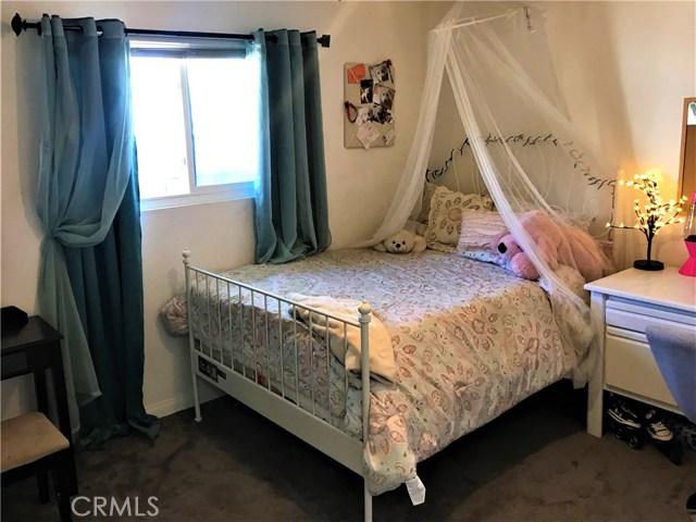 29025 Kimberly Avenue, Moreno Valley CA: http://media.crmls.org/medias/1692a1f9-ad5a-47dd-b04f-9863121670f2.jpg