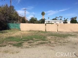 5695 Arlington Ave., Riverside CA: http://media.crmls.org/medias/169dde5d-ceec-4ded-860e-07ad84e04e77.jpg