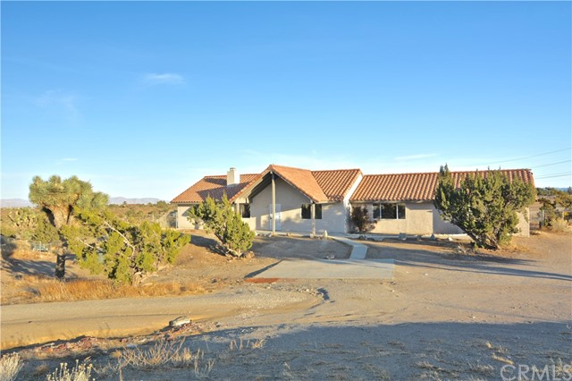 9715 rose Drive Oak Hills CA 92344