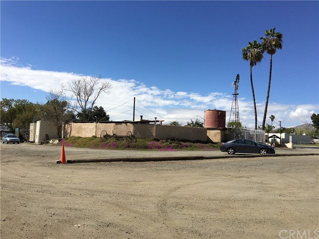 Additional photo for property listing at 31601 US Highway 74  Homeland, California 92548 United States